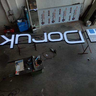 Doruk masa sandalye çatı tabelası aluminyum pleksi kutu harf tabela