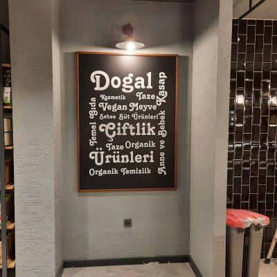 kara tahta reklam özel tasarım ahşap kenar